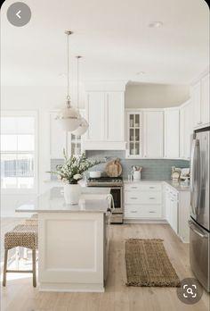 Home Design, Room Interior Design, Home Interior, Kitchen Interior, Design Design, White House Interior, White Home Decor, Farmhouse Interior, Rustic Design