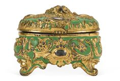 Vintage Petite Jewelry Box