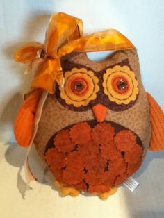 home Vintage owl door hanger orange brown fall - Owl Door Hangers, Burlap Door Hangers, 60s Home Decor, Home Decor Styles, Owl Fabric, Burlap Fabric, Owl Door Decorations, Mustard Yellow Walls, Owl Crafts