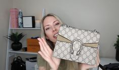 03278bea5 Gucci Dionysus Mini Bag. Unboxing video and new look. Beige suede and  canvas.