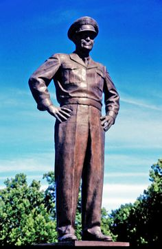Dwight D. Eisenhower Presidential Library Museum, Abilene -, Kansas This is a great historical tour of Eisenhower's life, including a a gallery for his wife Mamie Eisenhower. Outdoor Sculpture, Outdoor Art, State Of Kansas, Abilene Kansas, Presidential Libraries, Famous Graves, Travel Usa, Statues, American History