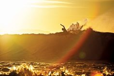 Dane Reynolds - Surfing at Sunset.