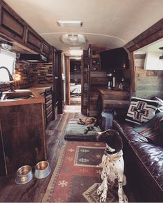Camper Interior Remodel DIY Travel Trailers – Just about all travel trailers utilize wood veneer. This will go quite a way to giving your family camper a whole new appearance. It's well-known that RVs aren't known for their stylish interiors. Camping Vintage, Vintage Camper, Airstream Interior, Van Interior, Interior Ideas, Interior Design, Trailer Interior, Simple Interior, Interior Paint
