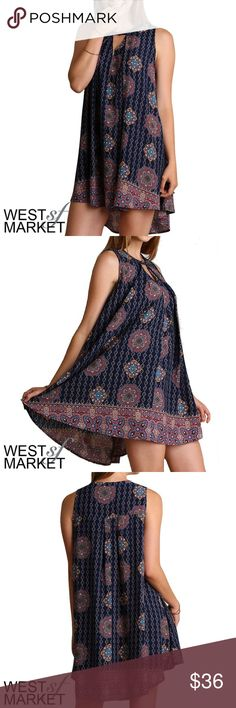 -NEW ARRIVAL- The Allie Sleeveless Tunic The perfect top for an instantly chic outfit. This Navy print sleeveless tunic gets cheeky with a keyhole on the front. It's flowy silhouette makes it super flattering! West Market SF Tops Tunics