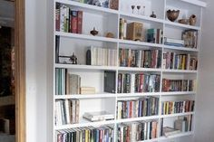 What Is the Average Space Between Shelves on a Bookshelf? | eHow