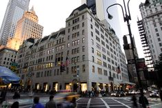Fashion & Beauty Inc: Barneys, Bergdorf's, Bloomingdale's & Bendel's: Your Ultimate Guide To Luxe Department Store Shopping In New York City