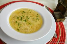 Romanian Food, Romanian Recipes, Hummus, Thai Red Curry, Healthy Recipes, Healthy Food, Meat, Chicken, Ethnic Recipes