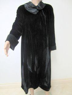 Vintage Clothing, Vintage Outfits, Formal Coat, Vintage Black, Mushroom, Off The Shoulder, Steak, Opera, Steampunk