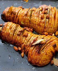Butternut au four façon hasselback Veggie Recipes, Vegetarian Recipes, Lunch Recipes, Cooking Recipes, Healthy Recipes, Coco, Food Inspiration, Love Food, Tapas