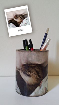 An unusual pencil holder with your pets foto.A simple wooden pencil case perform to a special pet gift.Just send me your pets foto and in a few days it will be ready. Decoupage, Mugs, Unique Jewelry, Handmade Gifts, Etsy, Vintage, Hand Made Gifts, Cups, Tumblers