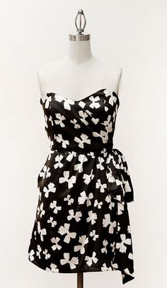 black & white with bows...it's like it was made for me!