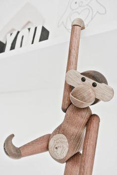 Lekker Fris: Design klassieker: Het aapje van Kay Bojesen. www.lekkerfrisss.blogspot.nl aapje via fonq.nl