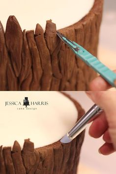 A FREE Baumkuchen tutorial to help you create a realistic tree for . - A FREE tutorial for Baumkuchen, with which you can create a realistic tree for … – н – - Cake Decorating Techniques, Cake Decorating Tutorials, Cookie Decorating, Decorating Cakes, Decorating Tools, Decors Pate A Sucre, Tree Cakes, Fondant Tutorial, Fondant Figures
