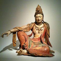 Guanyin, bodhisattva of compassion. Asian Sculptures, 17th Century Art, Krishna Art, Guanyin, Buddhist Art, Oriental, Gods And Goddesses, Chinese Art, Asian Art
