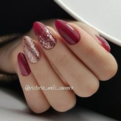 Beautiful red sparkle nails, christmas nails glitter, holiday nails, red and gold nails Manicure Nail Designs, Red Nail Designs, Nail Manicure, Manicure Ideas, Xmas Nails, Holiday Nails, Red Christmas Nails, Nagellack Trends, Nail Polish