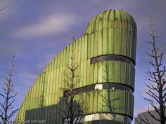 """""""Nani Nani"""" Building (Philippe Starck)"""