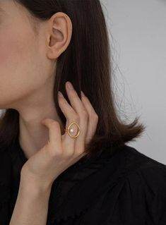 Temperament Geometric Round Pearl Ring – klozetstyle.com Jewelry Rings, Jewelry Accessories, Evil Eye Ring, Beautiful Notes, Silver Pearls, Pearl Ring, Sterling Silver Rings, 18k Gold, Minimal Style