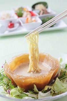 ホテル阪神タレを凍らせた氷の器で楽しむ香虎冷麺を夏季限定で発売