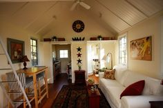 tiny houses pictures | Love this little house interior!
