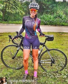 There is nothing quite so beautiful as a women with a bike. Women's Cycling, Cycling Girls, Bicycle Women, Bicycle Girl, Velo Retro, Cycle Chic, Sporty Girls, Biker Girl, Athletic Women