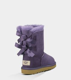So, I'm not much of an UGG person, but these are sooo cute! Def not in my price range, but I can stare from a distance. Cheap Snow Boots, Kids Ugg Boots, Ugg Boots Sale, Ugg Winter Boots, Ugg Kids, Ugg Bailey Button, Bailey Bow, Uggs For Cheap, Buy Cheap