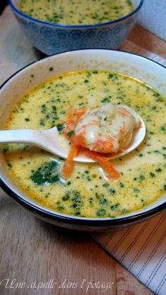 thailandaise citronnelle gingembre asiatique crevette cuisine piment oignon citron soupe thaï lait coco ail de Soupe thaï lait de coco piment gingembre citronnelle oignon ail crevette citron cuisineYou can find Thai soup and more on our website Healthy Soup, Healthy Dinner Recipes, Soup Recipes, Cooking Recipes, Milk Recipes, Cheese Recipes, Cooking Tips, Healthy Life, Coconut Milk Soup