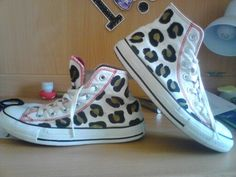 how i reniew my old converse <3