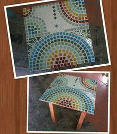 Mesa ratona diseñada en mosaico veneciano