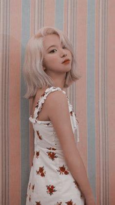 Nayeon, Kpop Girl Groups, Korean Girl Groups, Kpop Girls, Twice Wallpaper, Cool Girl, My Girl, Divas, Homo