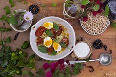 colandcol Ensalada de cuscus con tomates asados, garbanzos y huevos