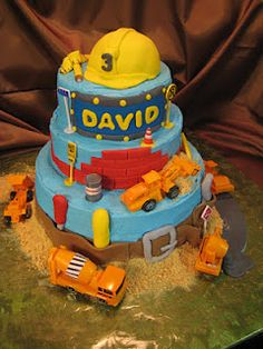 Construction #Cake.  I like the tool belt around the bottom.