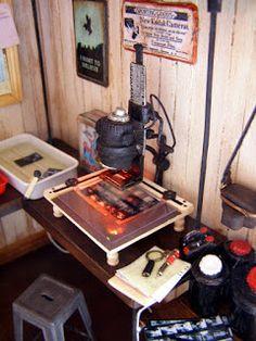 Pequeñeces: Cuarto oscuro de revelado- Miniature developing dark room