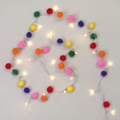 Multicoloured pom pom 20 battery LED Christmas lights - You are in the right place about childrens crafts Here we offer you the most beautiful pictures ab - Pom Pom Tree, Pom Pom Garland, Pom Poms, Crafts To Make And Sell, Diy And Crafts, Crafts For Kids, Preschool Crafts, Mexican Christmas, Christmas Time