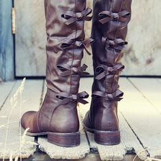 Someone buy me these. Right now.  The Bow Back Boots, Sweet Riding Boots from Spool No.72. | Spool No.72
