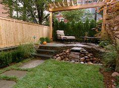 terraza en jardín pequeño