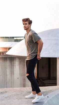 Stylish Mens Outfits, Casual Outfits, Men Casual, Men Street Look, Black Outfit Men, Mode Man, Man Photography, Beautiful Men Faces, Business Portrait