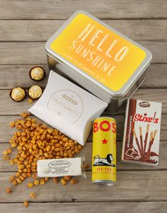 A snack tin is a wonderful gift for Spring Day! The new season is the perfect opportunity to shower loved ones with Spring Day flowers and gifts. Order a snack tin online and send it as a Spring Day gift to make a special person smile. Filled with biltong, nuts and refereshing ice tea, it's an awesome way to wish them a Happy Spring Day! Happy Spring Day, Biltong, Spoil Yourself, Chocolate Coating, Gourmet Gifts, Personalized Wine, Hello Sunshine, Special Person, Iced Tea