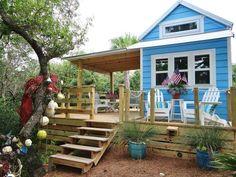 http://tinyhouseswoon.com/st-george-island-tiny-house/ tiny house