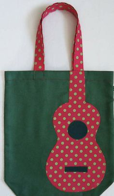 """Green owls – cotton bags … Grüne Eulen – Baumwolltaschen … Green owls – cloth bags … Related posts:T-shirt with calligraphic print """"cliché"""" in French, frenchA free tutorial on how to sew a hair band can be found here. Fabric Crafts, Sewing Crafts, Sewing Projects, Bag Patterns To Sew, Sewing Patterns, Diy Sac, Guitar Bag, Diy Couture, Patchwork Bags"""