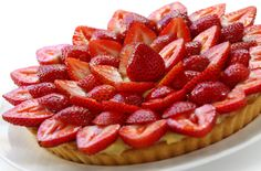 Strawberry Tart For Brunch Quiche Pan, A Food, Food And Drink, Strawberry Tart, Base Foods, Quiches, Brunch, Pudding, Treats