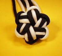 knots patterns paracord | And my for my 3rd star knot - I do 3 strands of Navy Blue then 3 ...