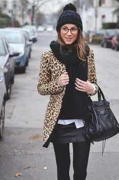Cheetah is back :: How to wear animal print Winter-Look-Animal-Print-Leopard-Mantel-Leder-Rock-Pudelmütze-Strumpfhose von Source by . Mode Outfits, Fall Outfits, Fashion Outfits, Womens Fashion, Trendy Outfits, Vest Outfits, Fashion Ideas, Jackets Fashion, Fashion Boots