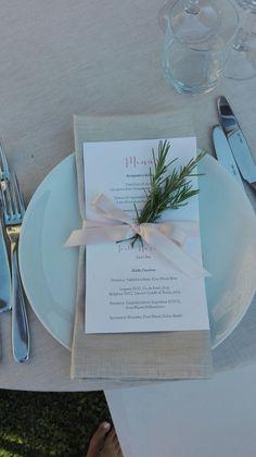 Un menù che profuma di buono! #peperosadesign #wedding #menu