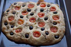 Universo dos Alimentos: Focaccia de tomate-cereja, azeitonas e alecrim