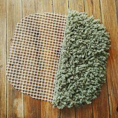 【追記】滑り止めマットと毛糸でふかふかラグ作り | 曲げわっぱのあひる弁当