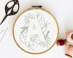 buchstabe k stickmuster blumenstickmuster pdf etsy ~ letra k patrón de bordado patrón de bordado floral pdf etsy Floral Embroidery Patterns, Embroidery Stitches Tutorial, Embroidery Letters, Simple Embroidery, Hand Embroidery Patterns, Embroidery Kits, Vintage Embroidery, Pdf Patterns, Machine Embroidery