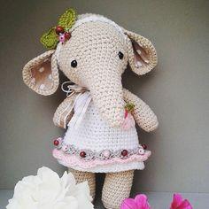 Little princess pattern @kornflake_stew #lovecrochet #crochetlove #häkelpuppe #elephant #princess #forlittlegirls #onlyforgirls #häkelnisttoll #crochet #crochetwithlove #crochetersofinstagram #amigurumidoll #amigurimi #häkeln #marleensmadeforyou