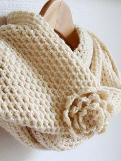 Pretty Cowl Scarf: free pattern