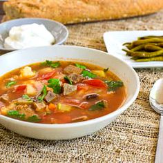Beef soup a traditional romanian soup full of veggies very healthy and delicious taco pasta salad Beef Recipes, Soup Recipes, Great Recipes, Chilli Recipes, Romanian Food, Romanian Recipes, Rind, Soup And Salad, Us Foods