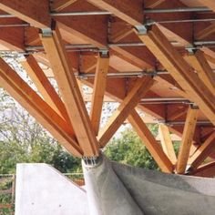Puente Crest 3 Wood Truss, Wood Beams, Wood Architecture, Amazing Architecture, Cool Deck, House Deck, Wood Structure, Floating House, Wood Laminate